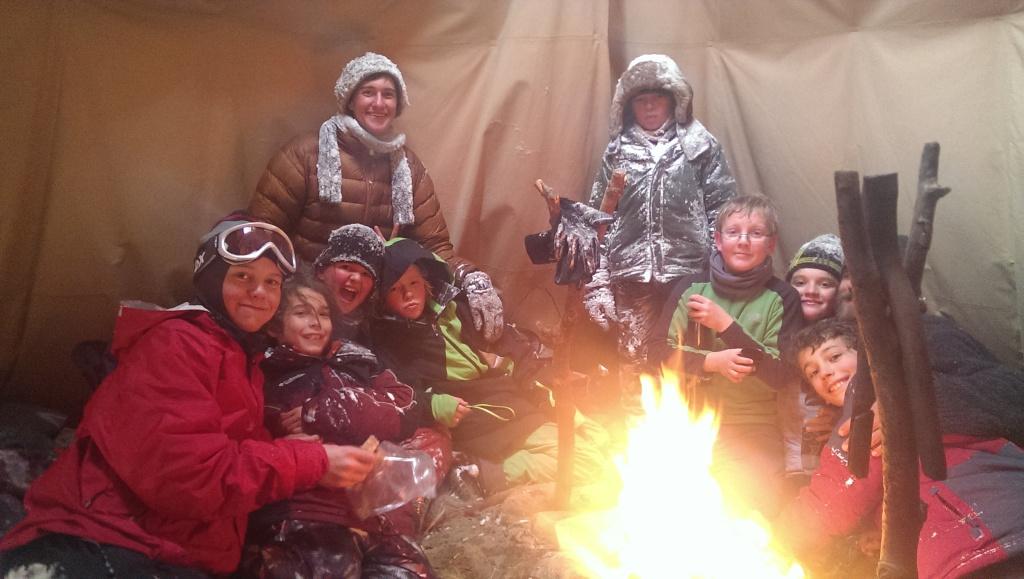 Coyote clan, around the ti pi fire